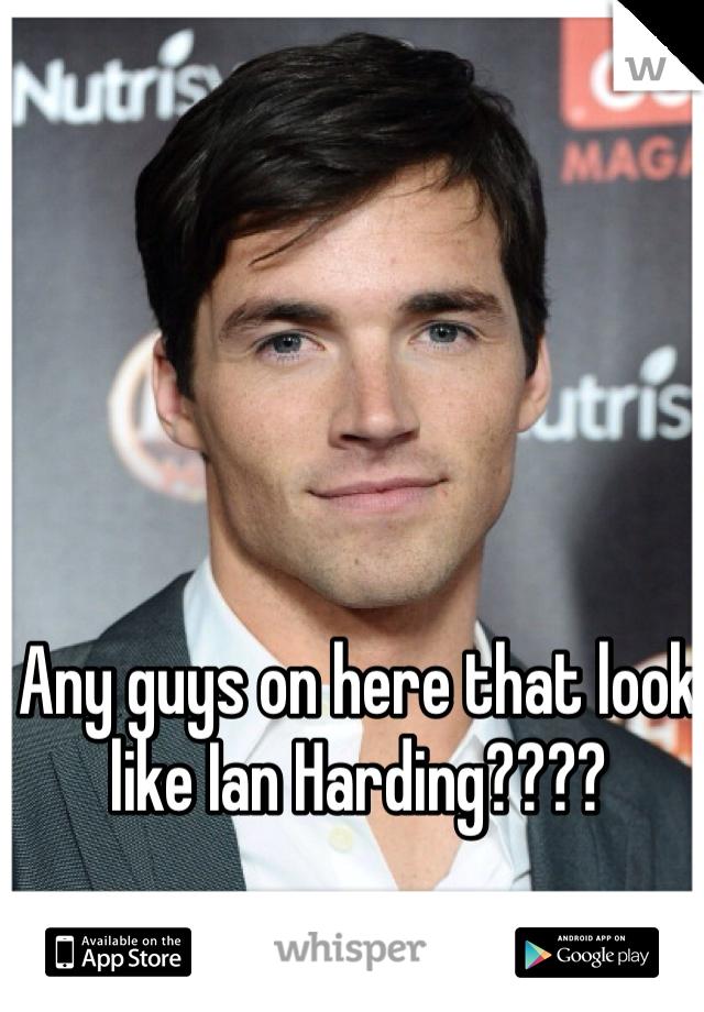 Any guys on here that look like Ian Harding????