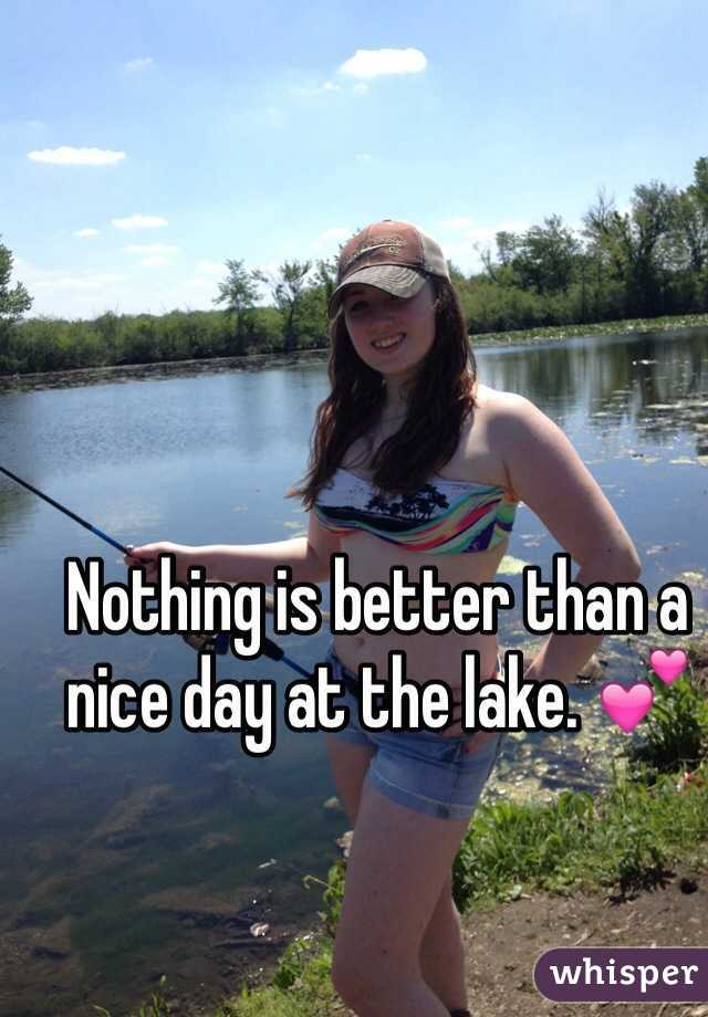 Nothing is better than a nice day at the lake. 💕