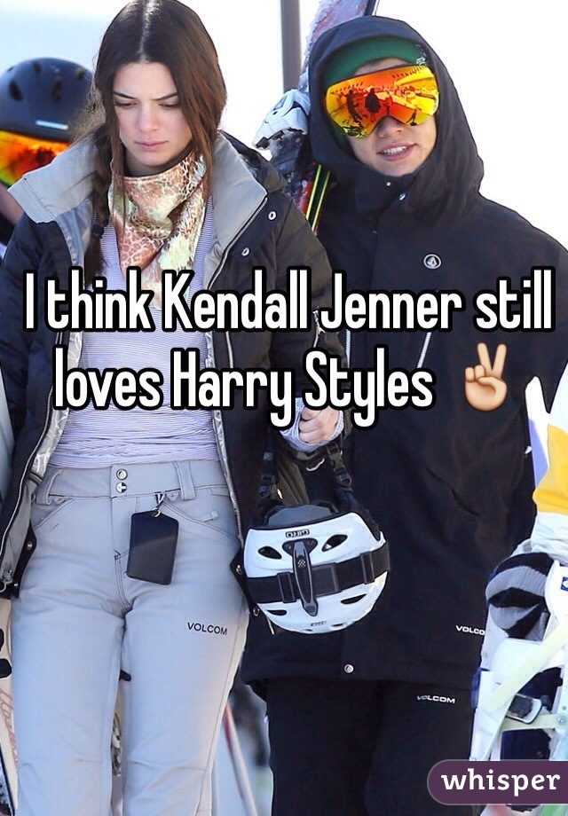 I think Kendall Jenner still loves Harry Styles ✌️