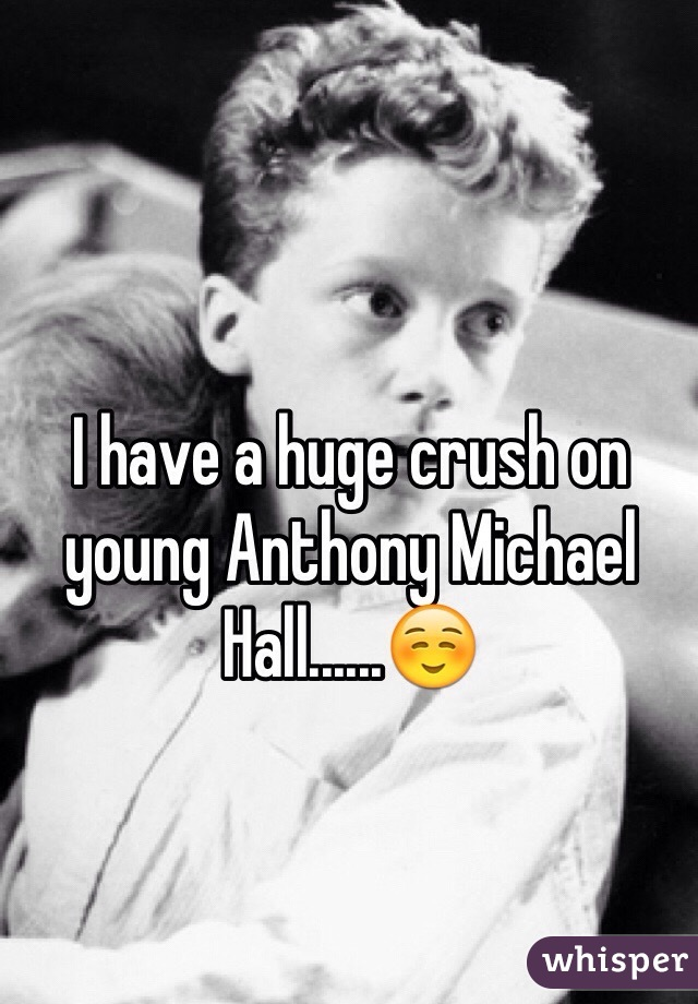 I have a huge crush on young Anthony Michael Hall......☺️