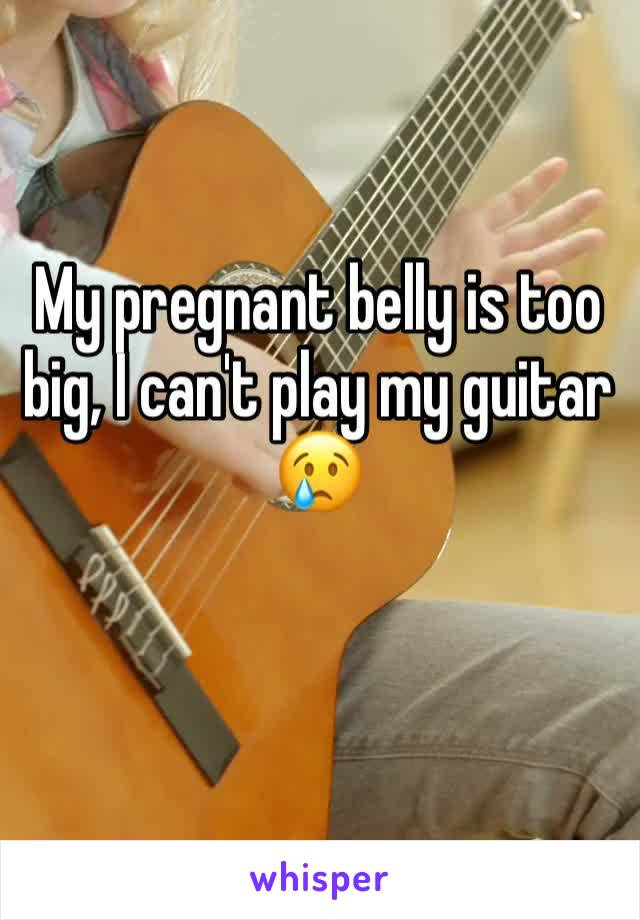 My pregnant belly is too big, I can't play my guitar 😢